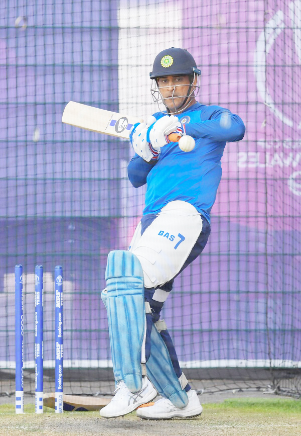 MS Dhoni becomes second-most capped Indian player in ODI