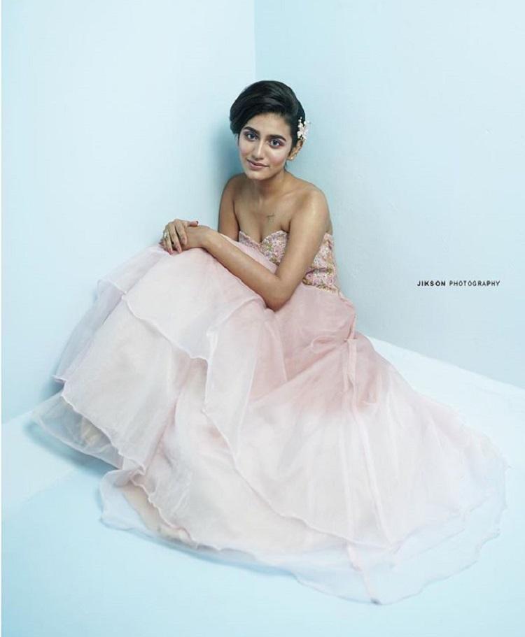 Bollywood Tadka,priya prakash varrier image, priya prakash varrier photo,  priya prakash varrier pictures,