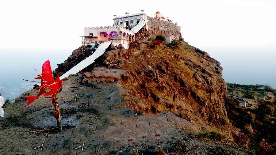 PunjabKesari, Devi Kali, Shaktipeeth, Pavagadh mata, Famous temple of gujrat