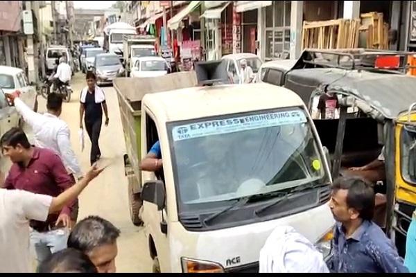 PunjabKesari, overload, , vehicle, road