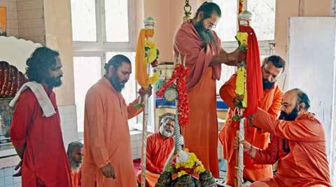 PunjabKesari, छड़ी मुबारक, Chhadhi Mubarak Pujan, Shri Yatra Amarnath yatra, पवित्र छड़ी मुबारक, श्री अमरनाथ यात्रा