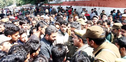 pro pakistan slogans raised in jammu clashes erupt between students