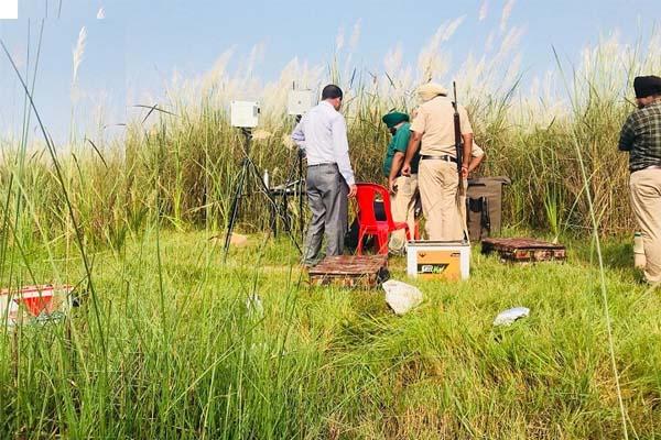 PunjabKesari, Police got a huge success, recovered a huge amount of liquor
