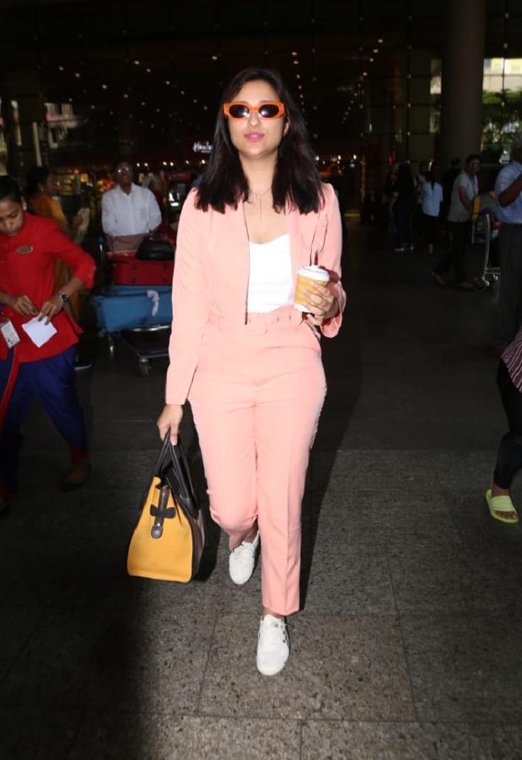 Bollywood Tadka,parineeti chopra image, parineeti chopraphoto, parineeti chopra picture