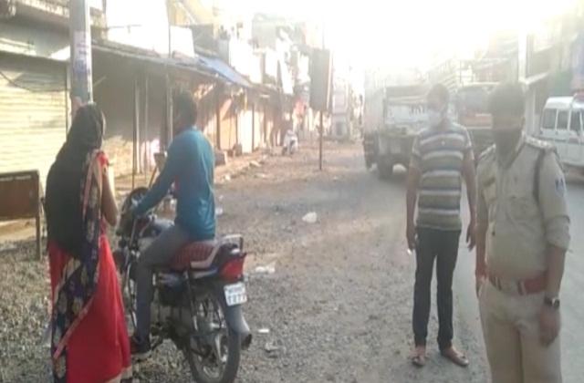 PunjabKesari, Madhya Pradesh, Jabalpur, wedding, police, corona curfeau, corona virus
