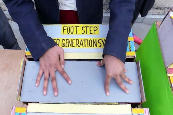PunjabKesari, Foot Step Power Generation Model Image