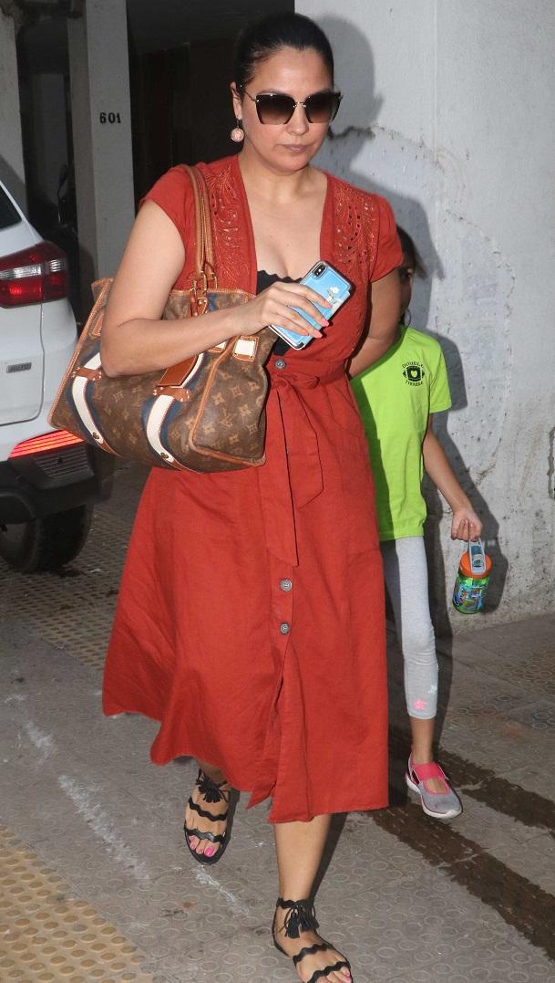 Bollywood Tadkaलारा दत्ता इमेज, लारा दत्ता फोटो, लारा दत्ता पिक्चर