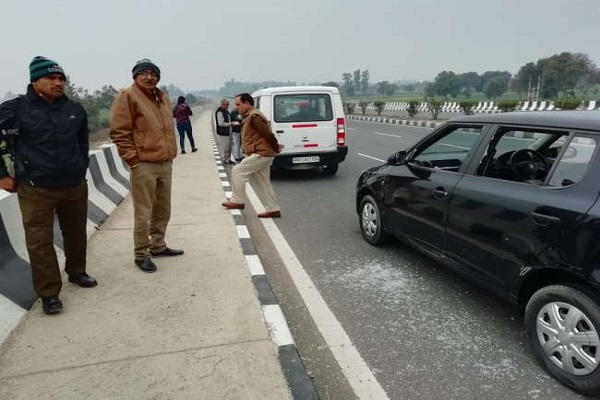 miscreants looted 80 thousand rupees on hansi bypass from businessman