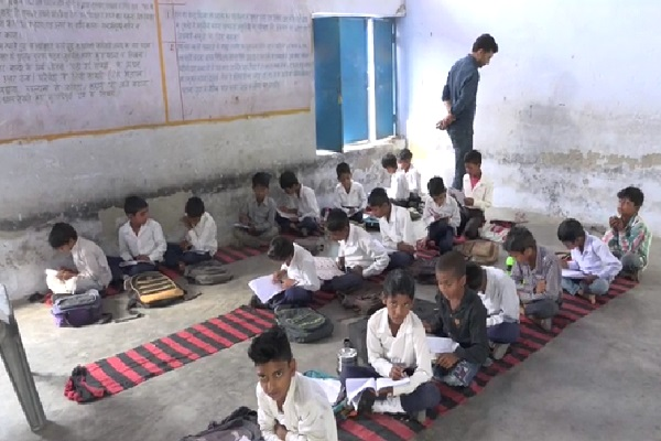 PunjabKesari, haryana hindi news, nuh hindi news, gurugram hindi news, private schools, unrecognized school