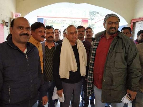 PunjabKesari, Madhya Pardesh Hindi News, Damoh Hindi News, Damoh Hindi Samachar, UP STF, Varanasi, Samajwadi Party, Jawahar Jaysawal, Bank employee kills, Arrested