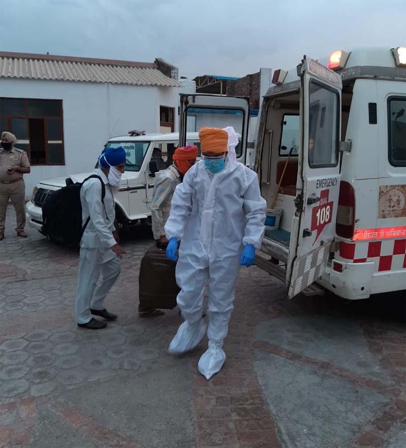PunjabKesari, 'Corona' blast in Tarn Taran, 47 reports came Positive