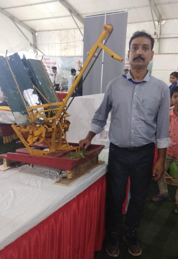 PunjabKesari, Science Fair Day, Bhopal, Innovator, Innovation, Demonstration, Bhopal News, Madhya Pradesh News, Punjab Kesari