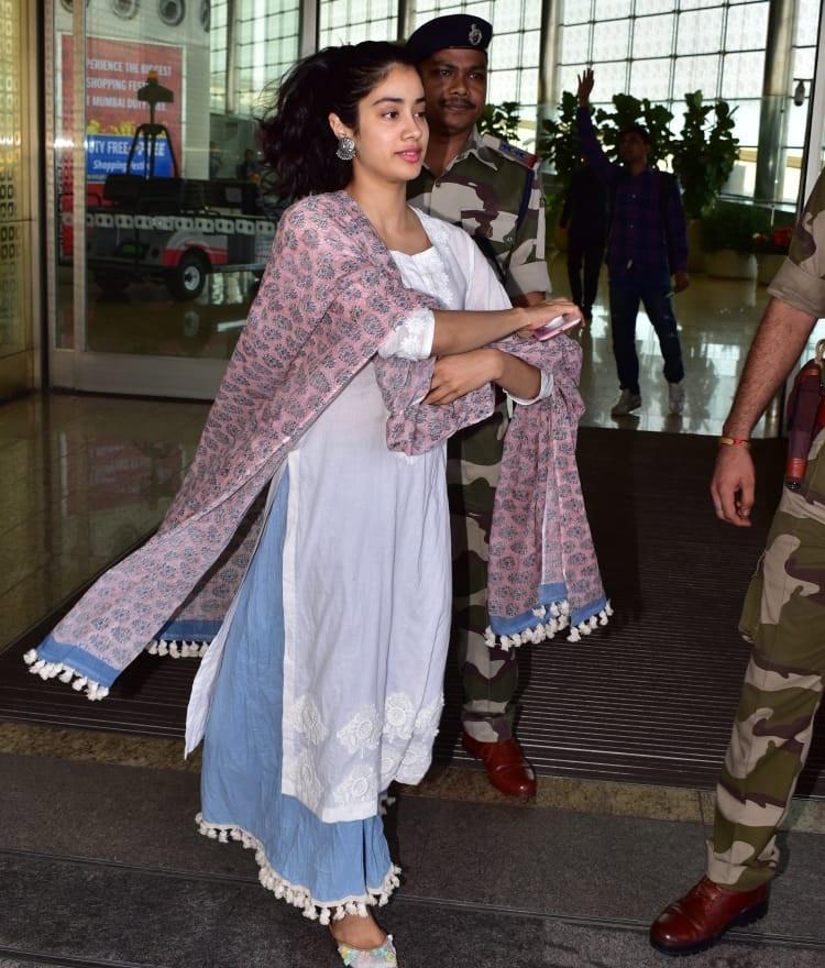 Bollywood Tadkaजाह्नवी कपूर इमेज, जाह्नवी कपूर फोटो, जाह्नवी कपूर पिक्चर