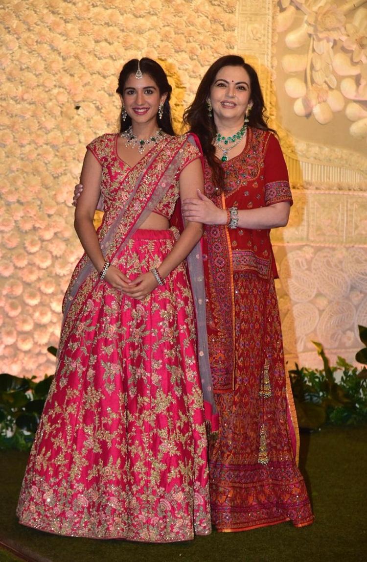 Bollywood Tadka,राधिका मर्चेंट इमेज, राधिका मर्चेंट फोटो, राधिका मर्चेंट पिक्चर,नीता अंबानी इमेज,नीता अंबानी फोटो,नीता अंबानी पिक्चर