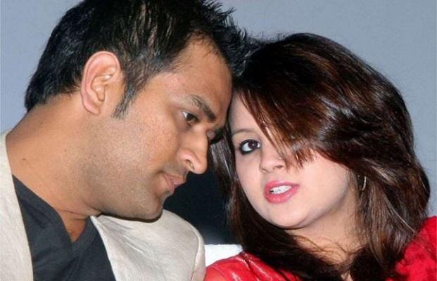 sakshi and dhoni image