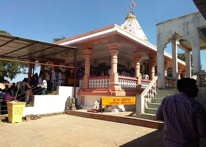 PunjabKesari, Tantric Temples in India, Kaal bhairav temple Ujjain