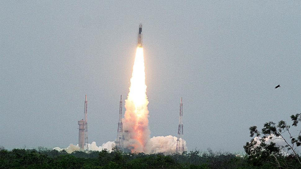 PunjabKesari, Superstition of Chandrayaan, ISRO, Scientist, GSLVMkIII-M1, ISRO launches Chandrayaan 2, Chandrayaan 2,  ISRO Mission Moon, Moon mission, ISRO chief K Sivan, Indian Space Research Organisation, Satish Dhawan Space Centre, चंद्रयान-2