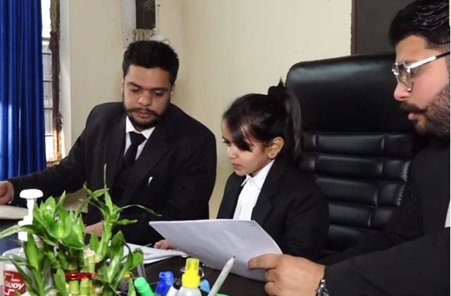 PunjabKesari, Dream big but short height, meet the youngest lawyer
