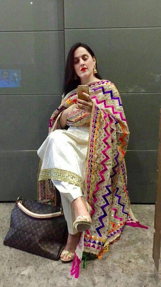 PunjabKesari, सिंपल सूट इमेज,फुलकारी दुपट्टा इमेज, Phulkari  image