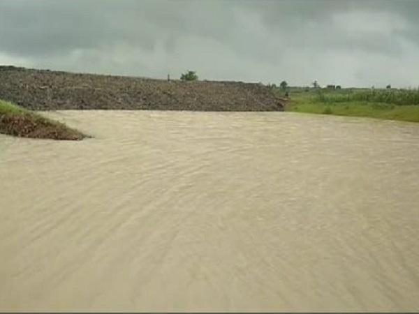PunjabKesari, Dhar, Madhya Pradesh, Scam, Lockdown, Corona, Construction of ponds