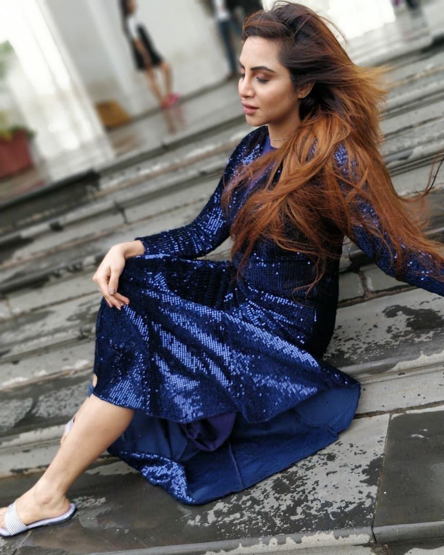 Bollywood Tadka, अर्शी खान इमेज, अर्शी खान फोटो, अर्शी खान पिक्चर