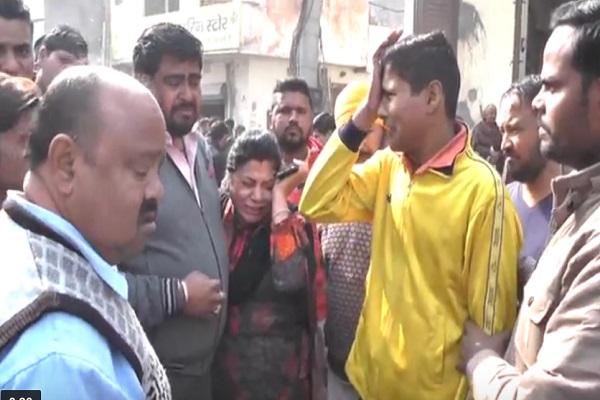 PunjabKesari, Women, Truck, Road Incident, Scooty