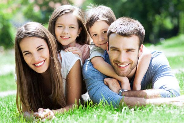 PunjabKesari, kundli tv, family , happy family, enjoying family