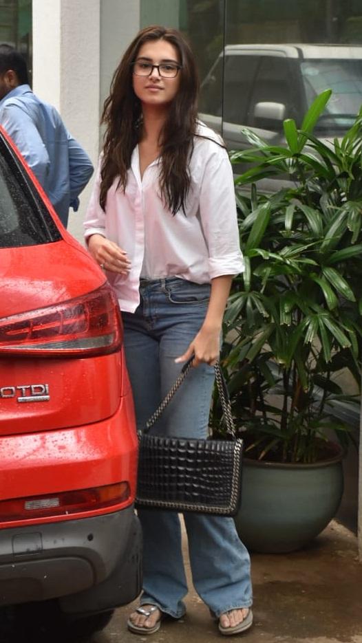 Bollywood Tadka, तारा सुतारिया इमेज, तारा सुतारिया फोटो, तारा सुतारिया पिक्चर