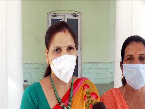 PunjabKesari, BJP Women Worker Image