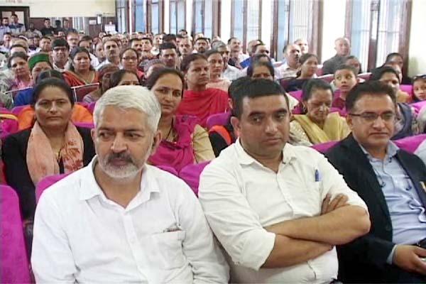 PunjabKesari, Indian Labor Union Image