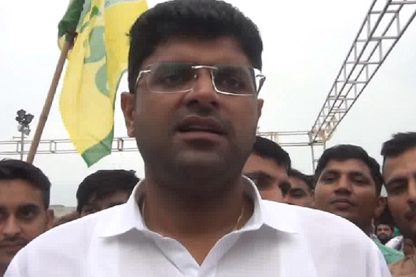 dushyant chautala commnted on cm manohar during campaigning for jjp candidate
