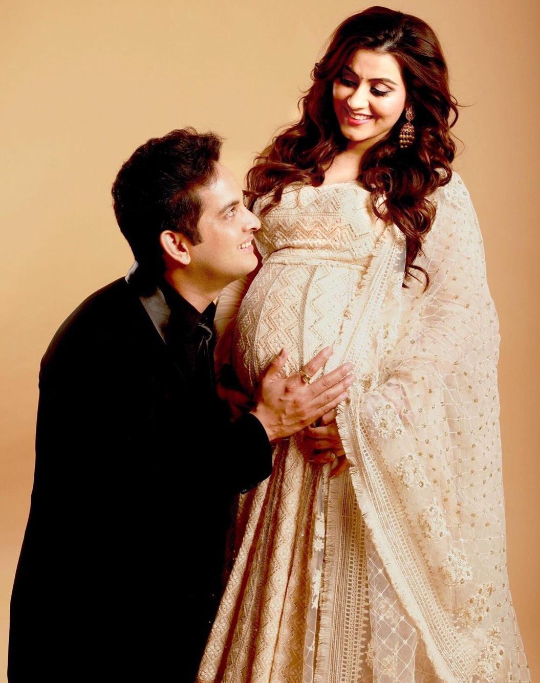 Bollywood Tadka, प्रियंका कालांत्री इमेज, प्रियंका कालांत्री फोटो, प्रियंका कालांत्री पिक्चर,