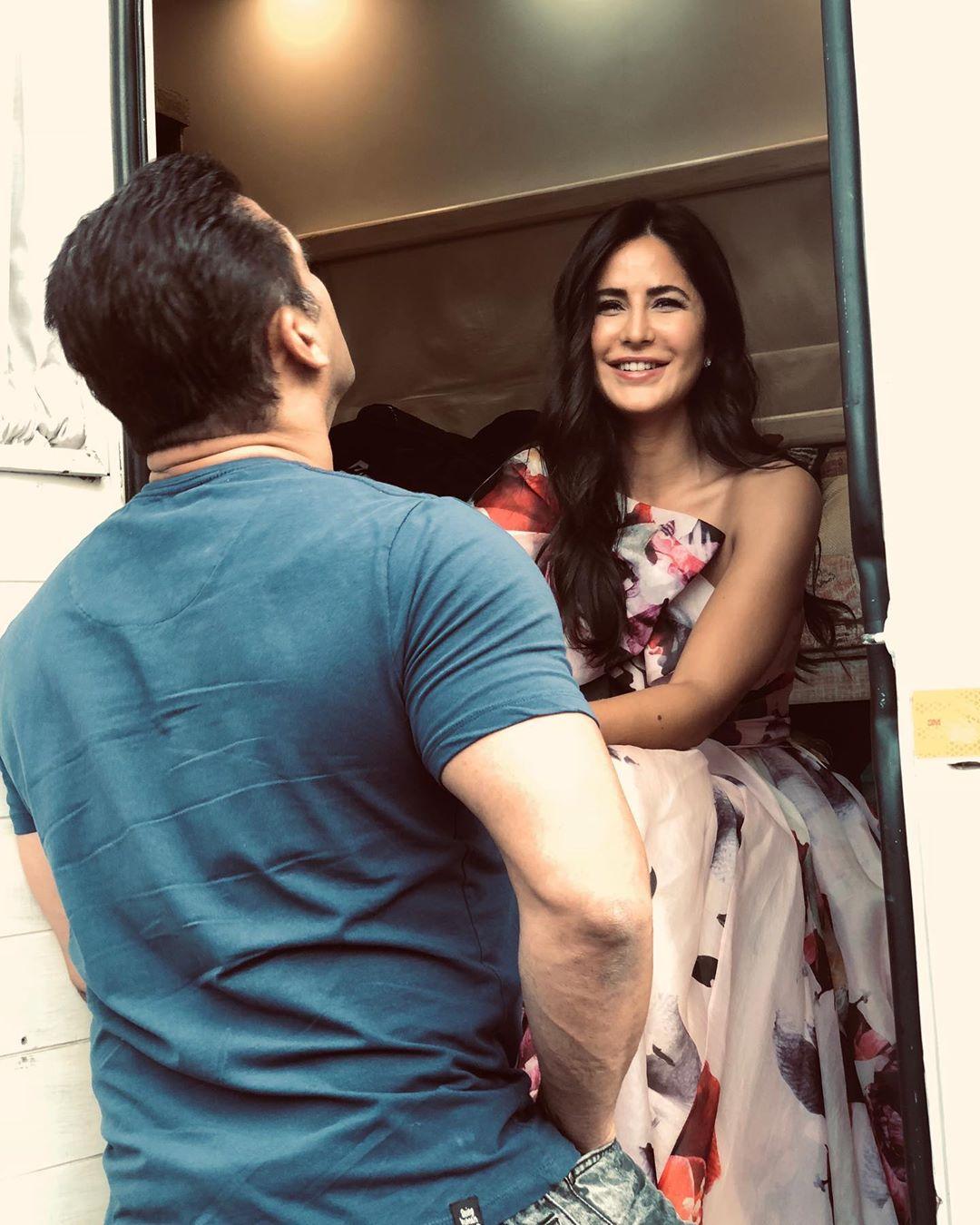 Bollywood Tadka,कैटरीना कैफ इमेज,कैटरीना कैफ फोटो,कैटरीना कैफ पिक्चर,सलमान खान इमेज, सलमान खान फोटो,सलमान खान पिक्चर