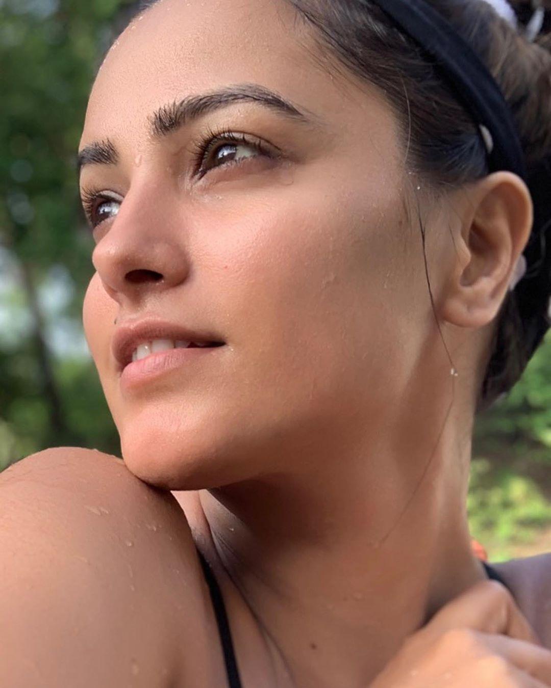 Bollywood Tadka,अनीता हसनंदानी इमेज,अनीता हसनंदानी फोटो,अनीता हसनंदानी पिक्चर
