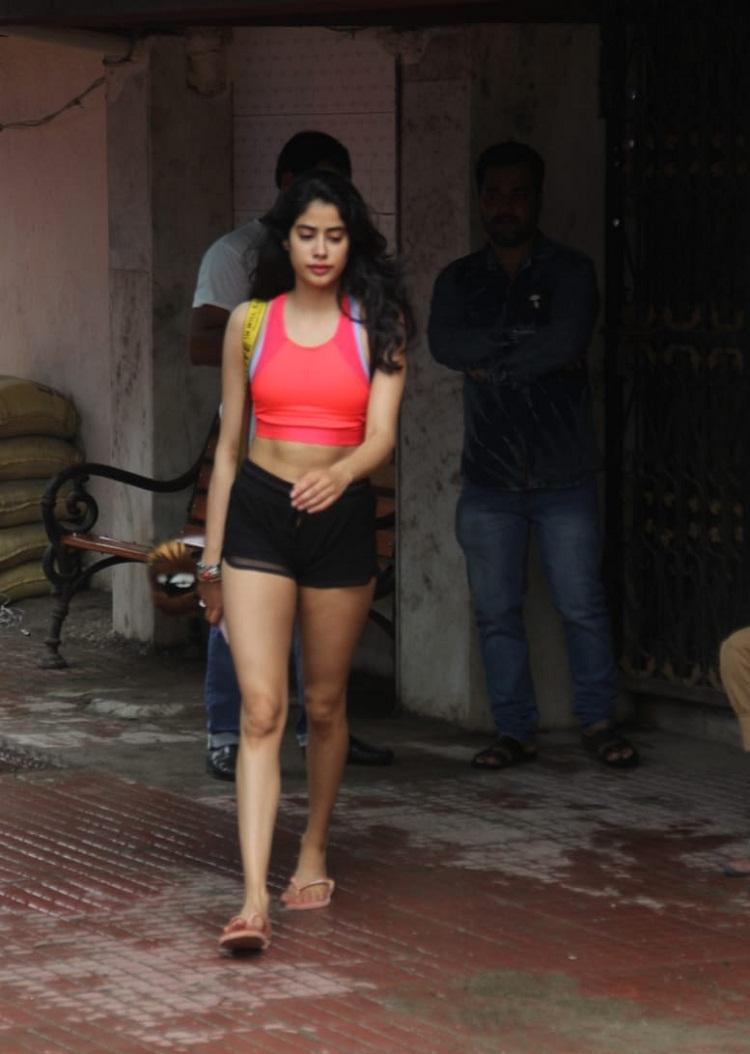 Bollywood Tadka,जाह्नवी कपूर इमेज,जाह्नवी कपूर फोटो,जाह्नवी कपूर पिक्चर,