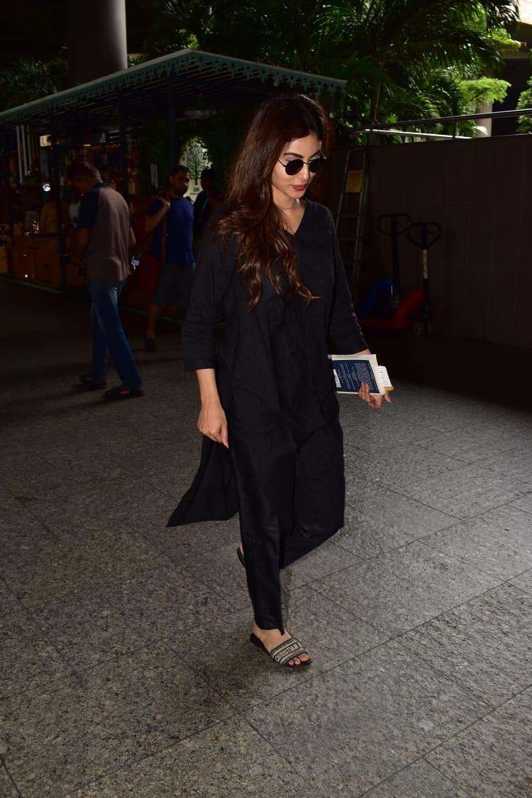 Bollywood Tadka,मौनी रॉय इमेज,मौनी रॉय फोटो,मौनी रॉय पिक्चर,