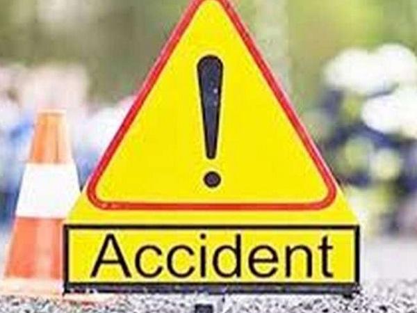 PunjabKesari, Seoni, Madhya Pradesh, Chhindwaara Road, Lakhanwara, Road accident, 2 Costable dead, Police Constable