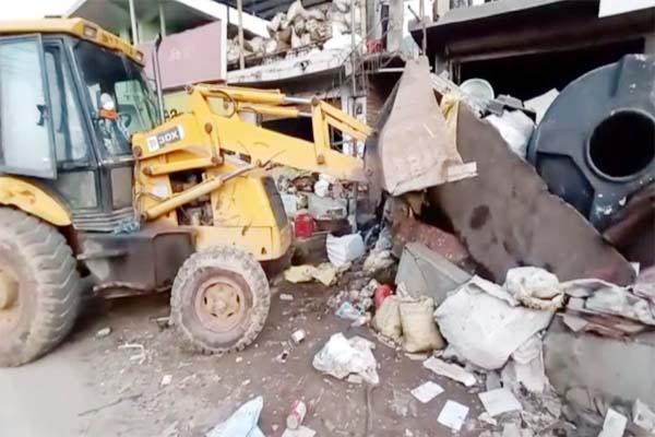 PunjabKesari, Illegal Occupation Remove Image