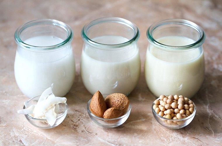 PunjabKesari, Non-dairy milk Image, Foods Trends Image