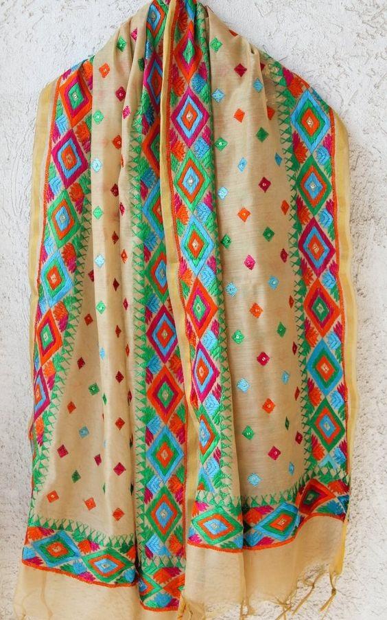 PunjabKesari,सिंपल सूट इमेज,फुलकारी दुपट्टा इमेज, Phulkari  image