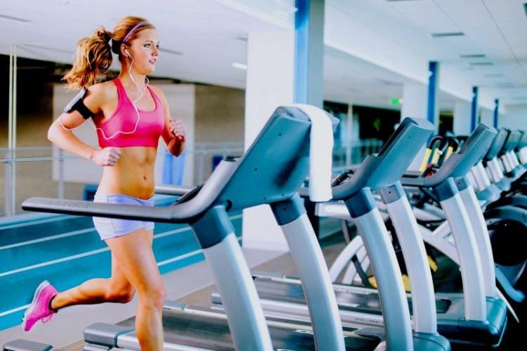 PunjabKesari, Treadmill Running Image, Weight Loss Exercise Image