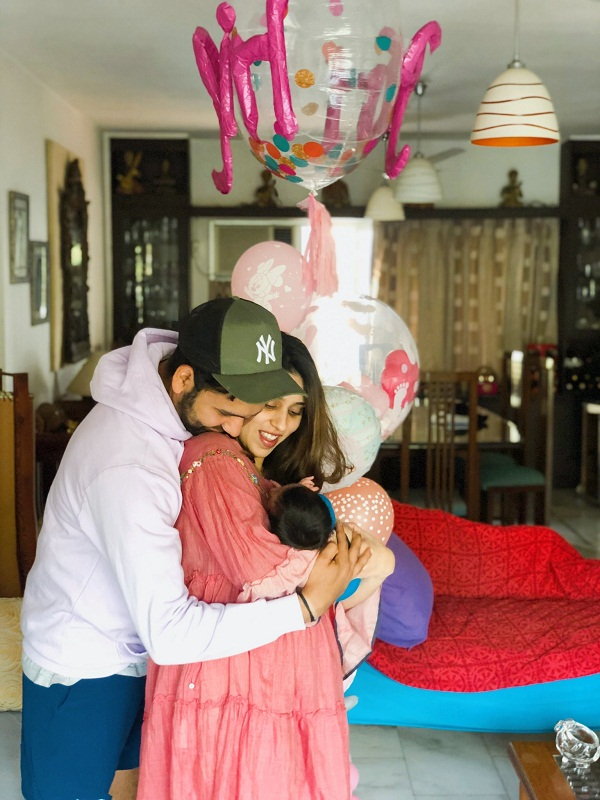 Rohit sharma share daughter samaira picture on social sites