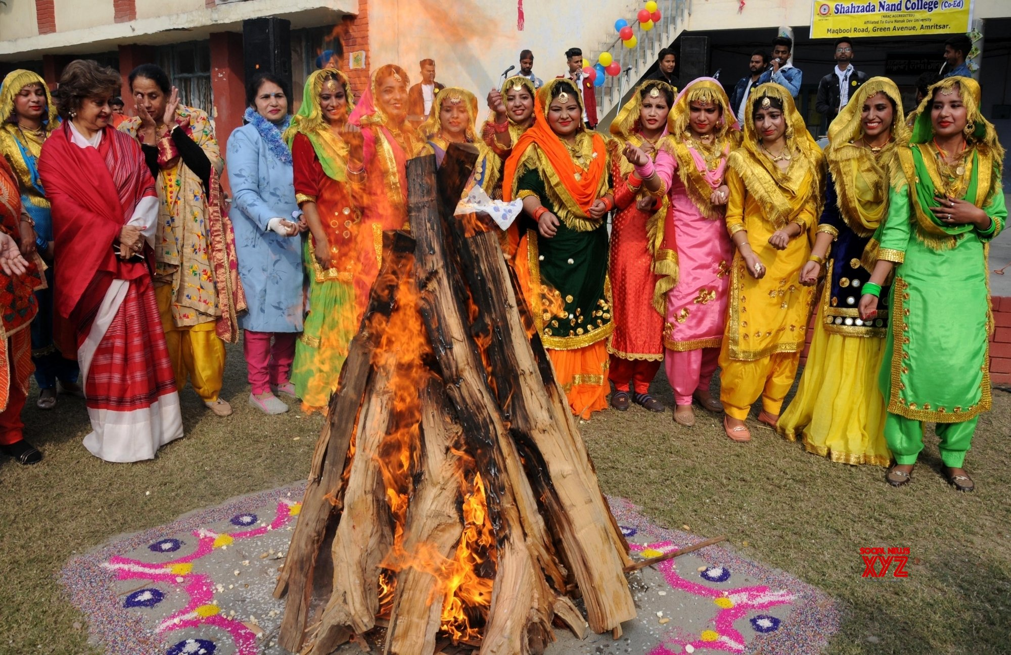 Happy Lohri, Lohri 2020, Happy Lohri 2020, लोहड़ी, लोहड़ी 2020, दुल्ला भट्टी, Dulla bhatti, Dulla Bhatti Song, हैप्पी लोहड़ी 2020, Lohri festival, Religious Stories Related Lohri, Lohri Song, Mantra Bhajan Aarti