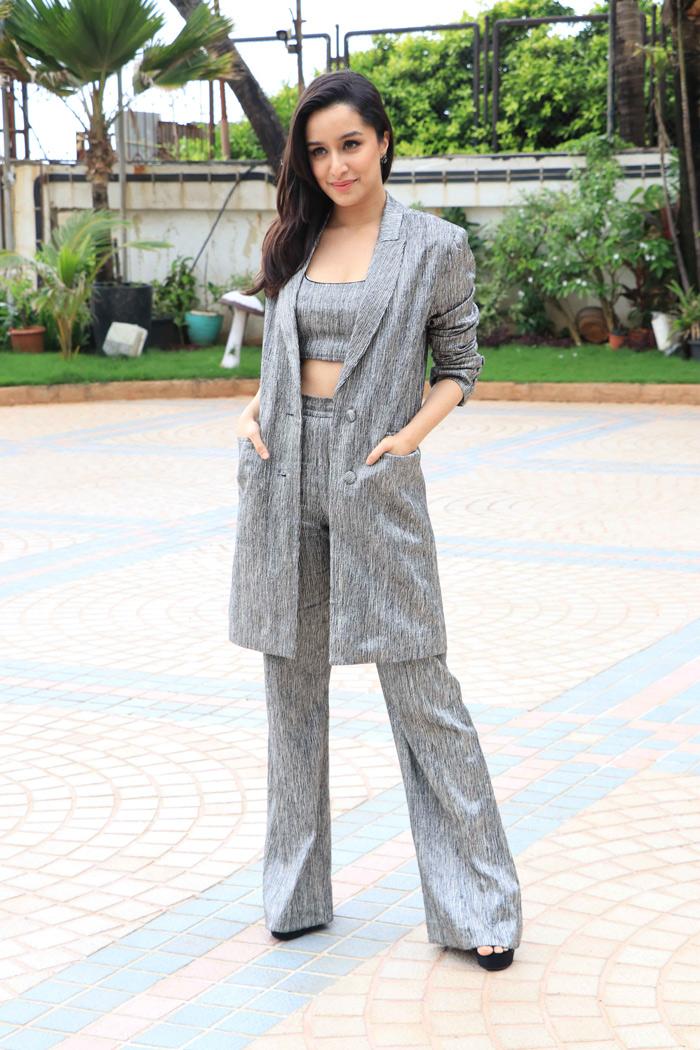 PunjabKesari,  Nari, new year Dress ideas, shraddha kapoor Image