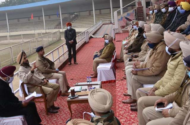 PunjabKesari, 1000 police officers will be protect the city on Republic Day