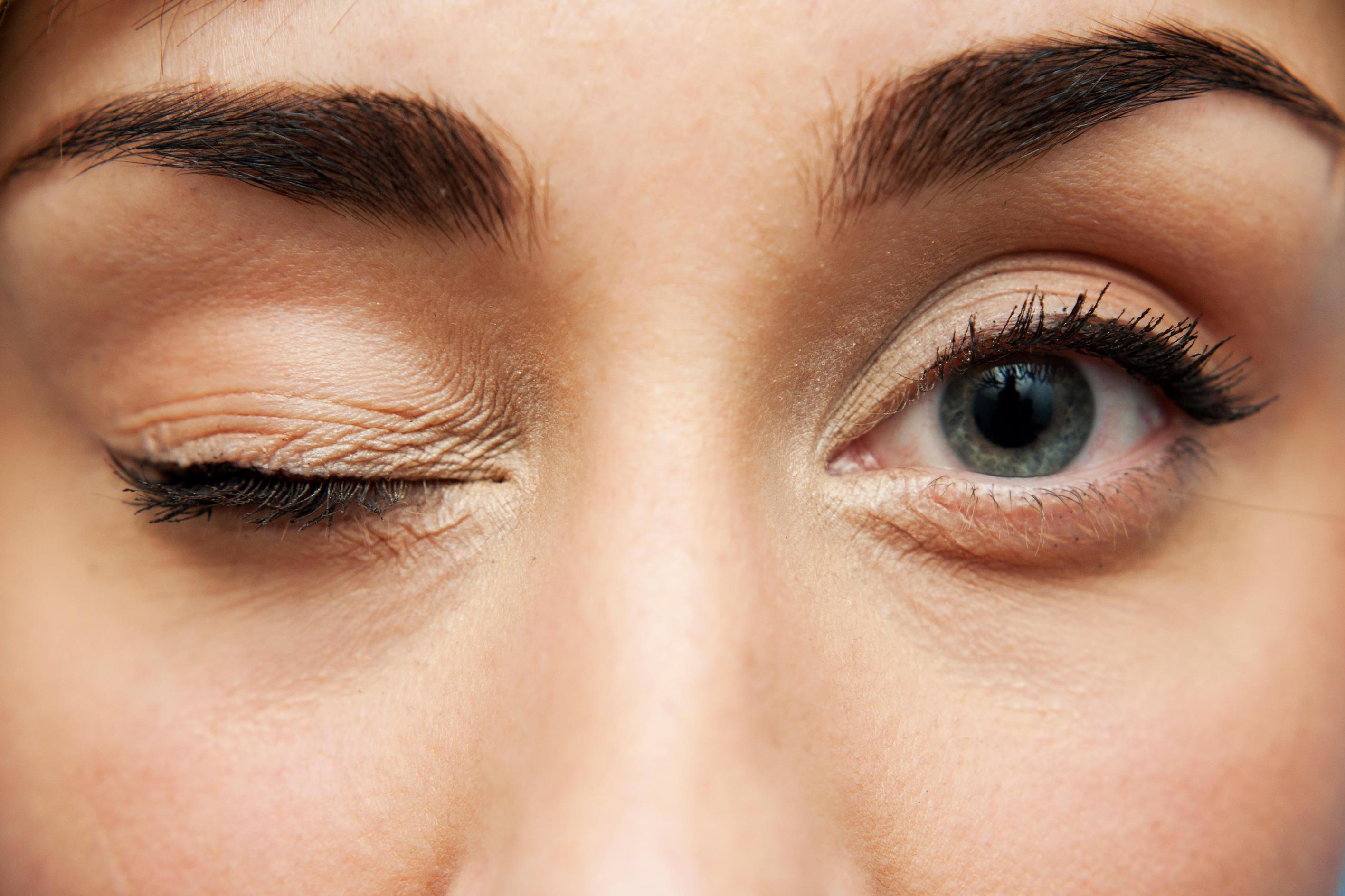 PunjabKesari, दाईं आंख का फड़कना, Right eye