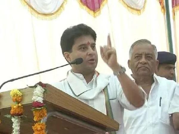 PunjabKesari,Madhya Pradesh News, Gwalior News, Congress, Jyotiraditya Scindia, adulteration, Health Minister Tulsi Silavat, against their own government