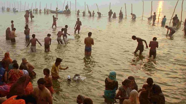 Narmada Ghats, Magh Sankranti 2020, माघ संक्रांति 2020, मकर संक्रांति, Makar Sankranti, Makar Sankranti, Surya Uttrayan, सूर्य उत्तरायण, माघ माह, माघ माह स्नान, Holy bath in magh month
