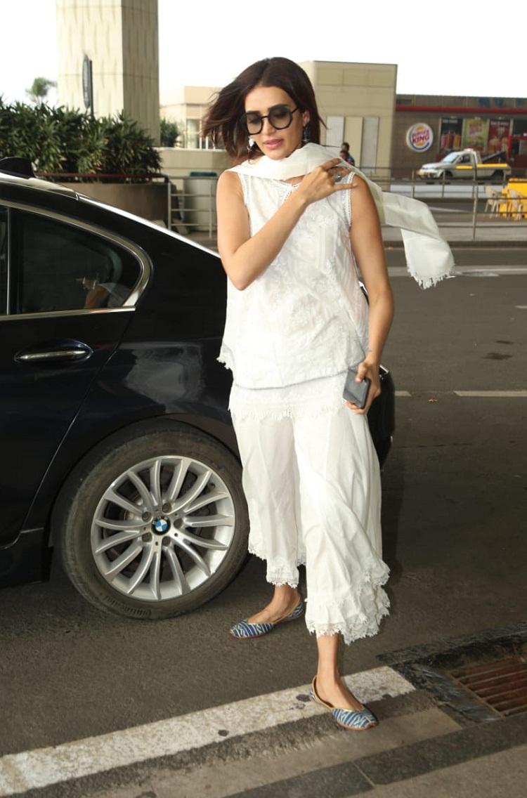 Bollywood Tadka,karishma tanna image, karishma tanna photo,karishma tanna picture