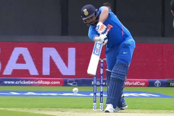 Like Rohit Sharma, de Villiers in the BBL also hit the first ball